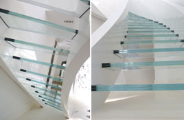 flating-glass-staircase